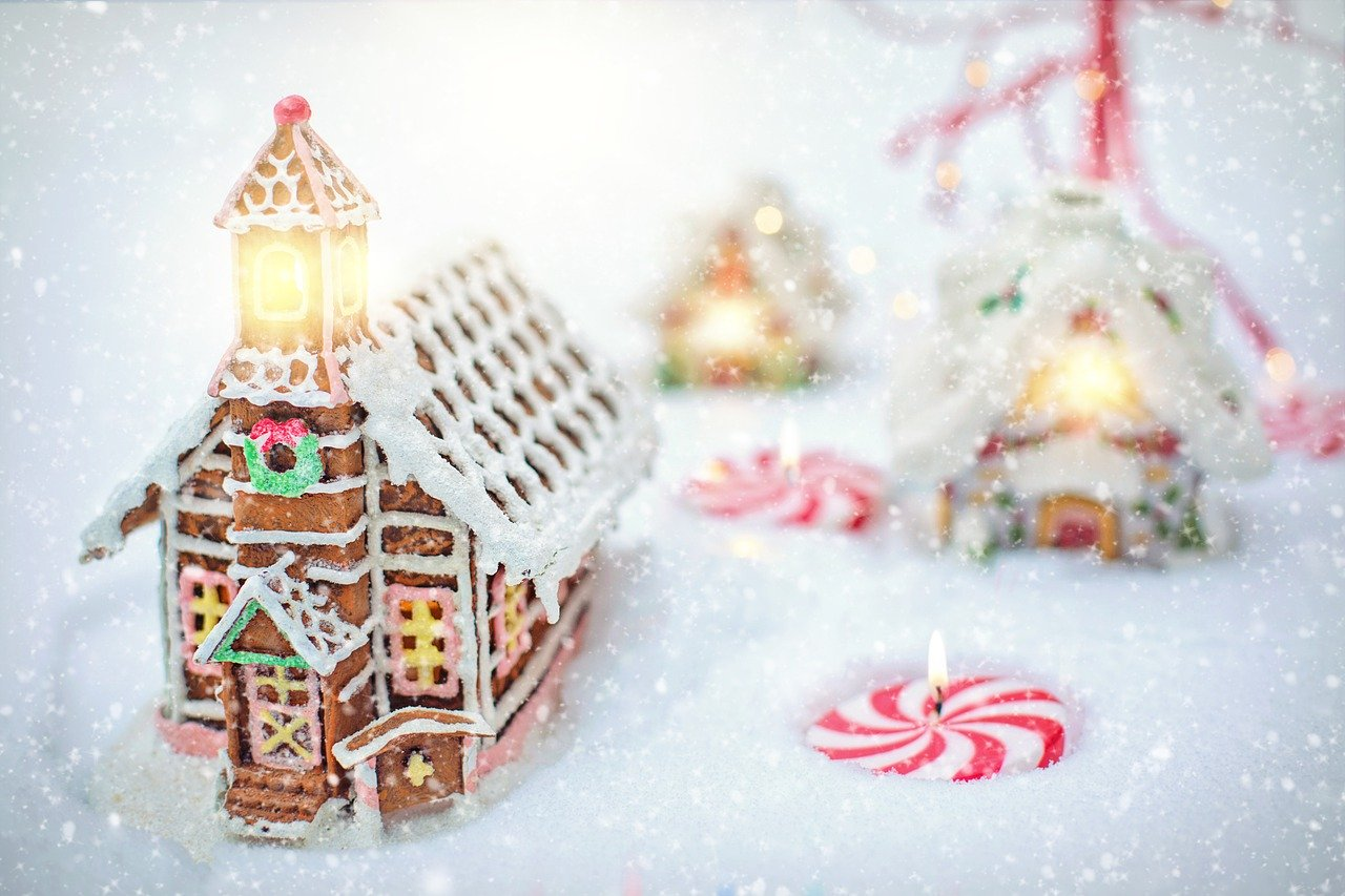 gingerbread-house-4630647_1280